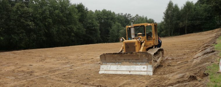 Realizacja: profilowanie gruntu pod budowę Świątniki Górne