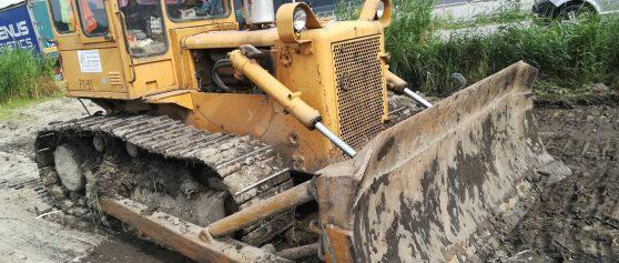 Realizacja: odhumusowanie terenu – prace dla firmy TOMBUDOS