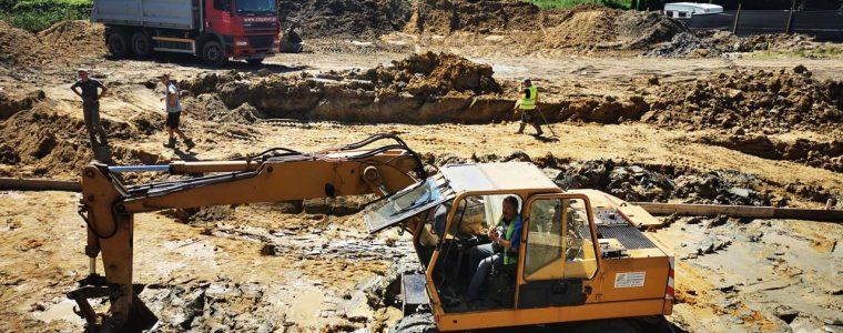 Realizacja: Prace koparką przy budowie budynku usługowego